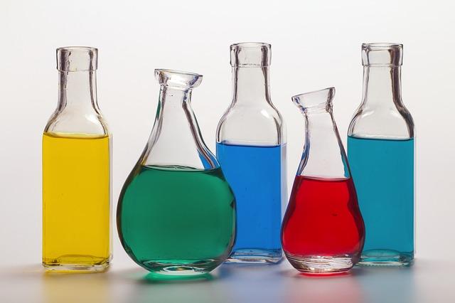 いろいろな種類のボトル